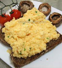 Gordon Ramsay'in Kremalı Yumurtalı Ekmeği