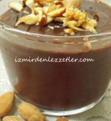 Bademli Karamelli Çikolatalı Puding