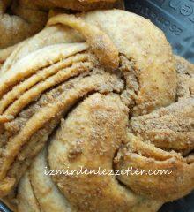 Haşhaşlı Çelenk Ekmekler